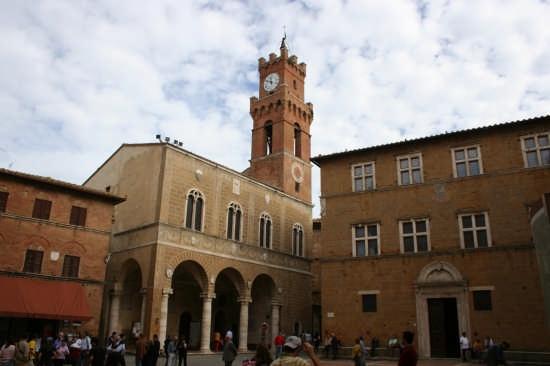 piazza pio II - Pienza (3054 clic)