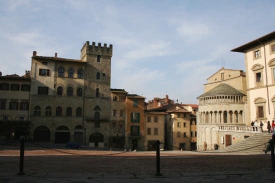 la piazza del saracino - Arezzo (4364 clic)