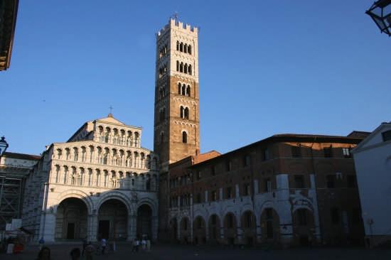 piazza san martino - Lucca (5056 clic)