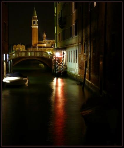 Oltre il ponte - Venezia (2566 clic)