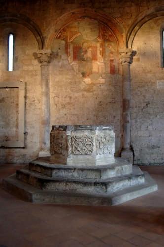 Chiesa di S.Maria Maggiore - Tuscania (2103 clic)