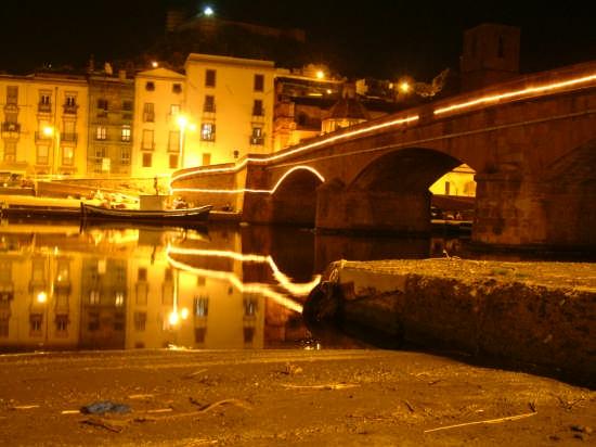 bosa ponte vecchio sul Temo (5480 clic)