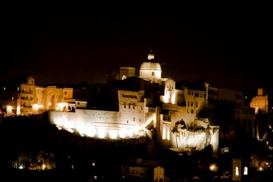 Cagliari di notte (6541 clic)