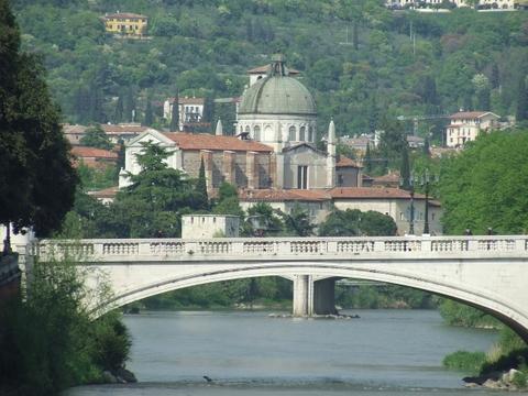 Lungo Adige  Verona (2903 clic)