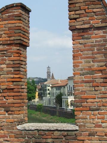 Ponte Scaligero  Verona (2003 clic)
