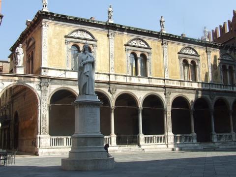 Piazza dei Signori  Verona (1739 clic)
