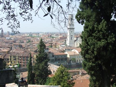 Panorama di  Verona (2112 clic)