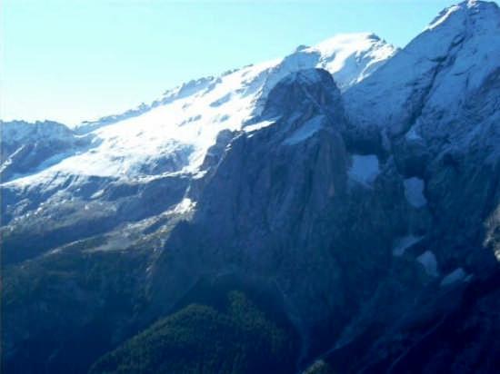 il ghiacciaio della marmolada - Canazei (4060 clic)