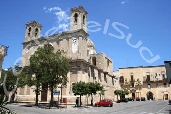Chiesa Madre di Taurisano (2748 clic)