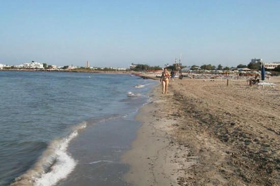 Marina di Ugento-Torre San Giovanni:La spiaggia più vicina al Centro B&B a circa 400 metri dalla struttuta. Si raggiumge a piedi! (7881 clic)