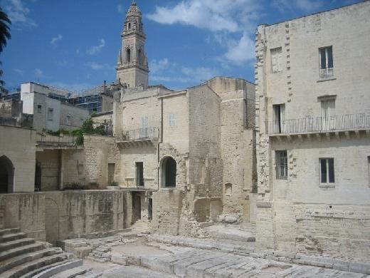 LECCE:a circa 65Km da Torre San Giovanni da il Centro B&B Florenza - Ugento (9494 clic)