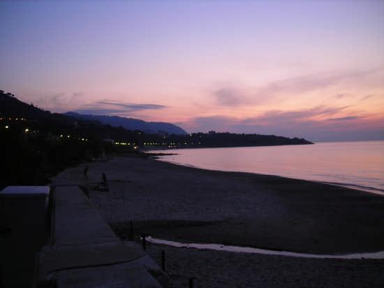 tramonto cefalu' - Cefalù (3618 clic)