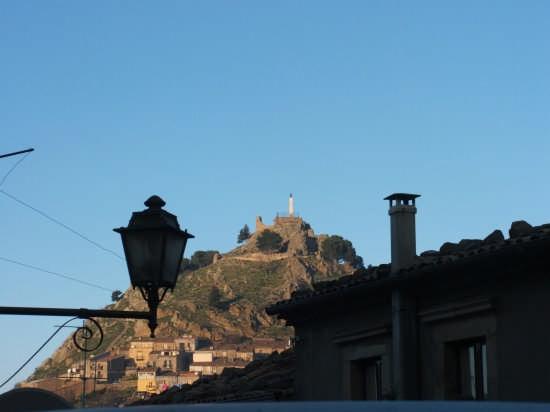 Il Castello - Mistretta (3055 clic)