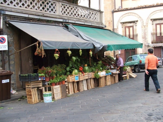 Negozio di frutta e verdura - Mistretta (6759 clic)