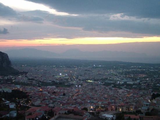 il tramonto su Borgetto (3813 clic)