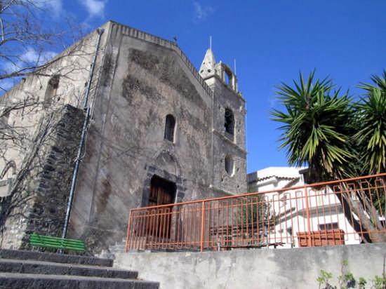 Chiesa GESU' E MARIA - 1697 tardo barocco. Zona Centro Storico  - Calatabiano (3584 clic)