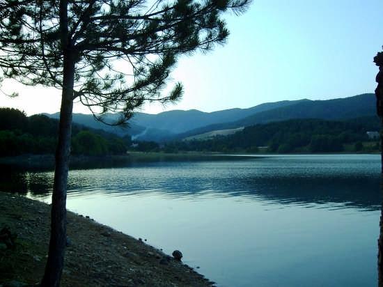 lago arvo (sila) - Lorica (7671 clic)