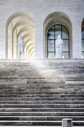 Palazzo della Civiltà Italiana - ROMA - inserita il 12-Jul-11