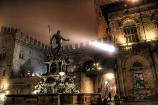 Piazza Del Nettuno - Bologna (8620 clic)