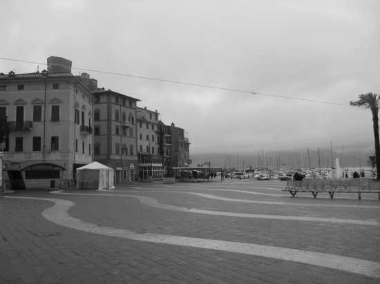 piazza di Lerici (3720 clic)