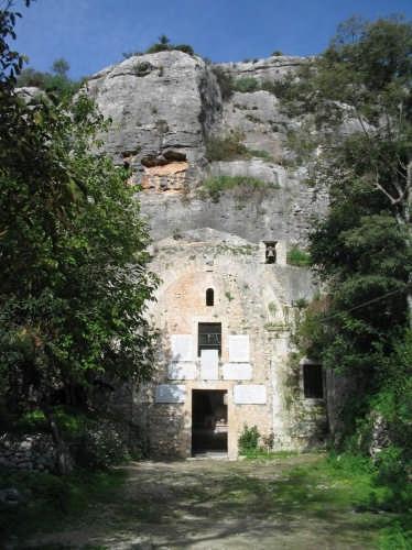 Chiesa rupestre di S. Maria della Cava - Ispica (5549 clic)