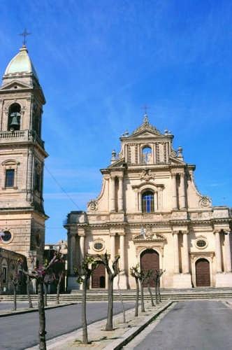 Chiesa dell'Annunziata - facciata - Ispica (3204 clic)