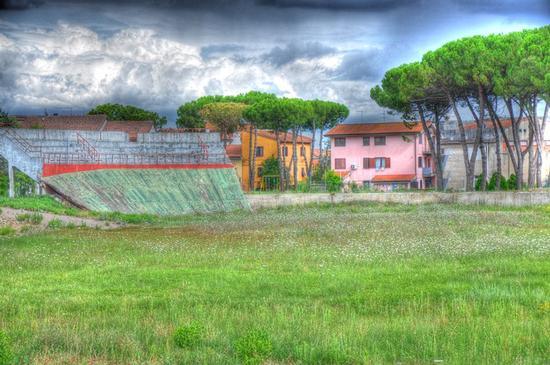 IL VELODROMO DI FORNACETTE QUELLO CHE RIMANE - Calcinaia (3104 clic)