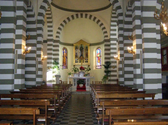 Montecastello Chiesa interno - Pontedera (3670 clic)