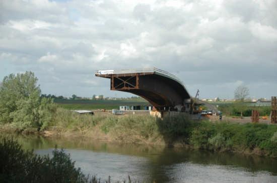 Arno Pontedera nuovo ponte (2491 clic)