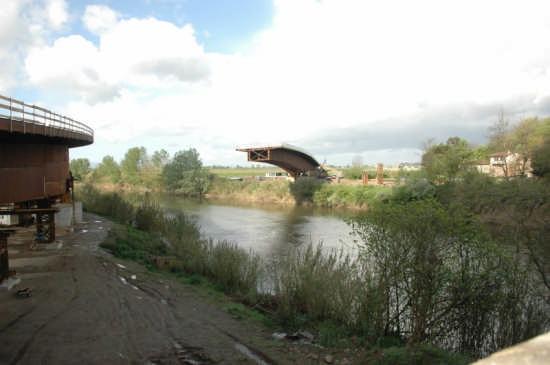 Arno Pontedera nuovo ponte (2625 clic)