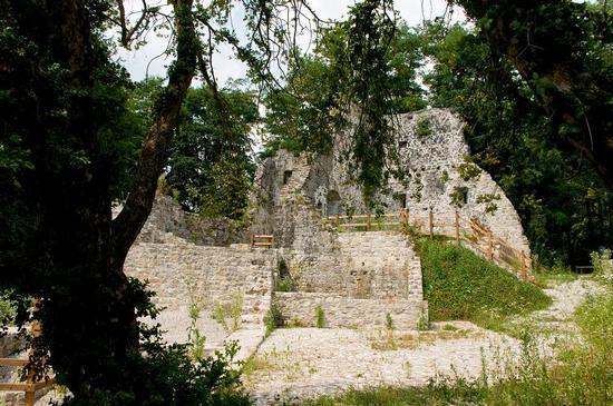 Cergneu Ruderi del Castello - Nimis (2585 clic)
