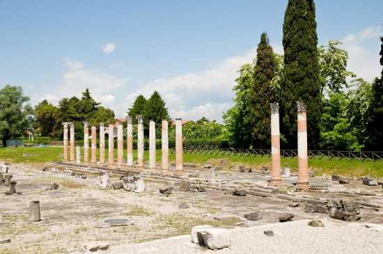 il foro romano - Aquileia (2995 clic)
