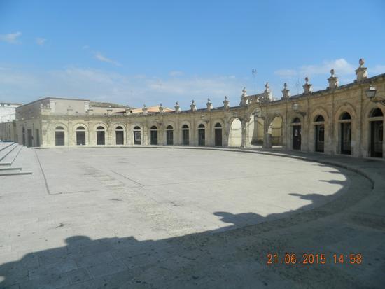 Colonnato della Basilica Santa Maria Maggiore - Ispica (936 clic)