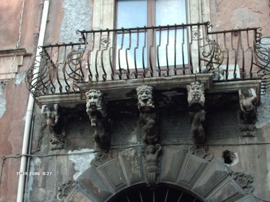 balcone della casa del poeta Domenico Tempio - Catania (9457 clic)