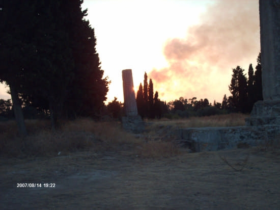 tempio di Giove Olimpico al tramonto - Siracusa (2481 clic)