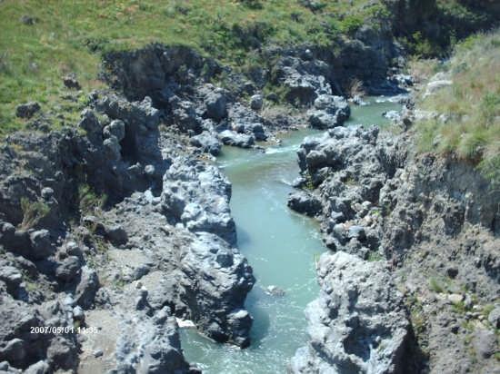 ii fiume simeto presso il ponte dei saraceni  - Adrano (6351 clic)