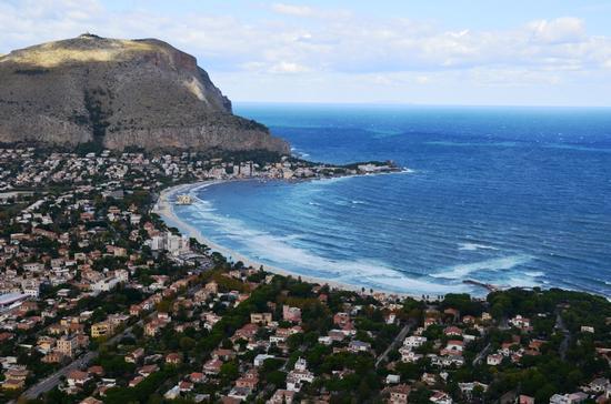 Panoramica su Mondello (2434 clic)