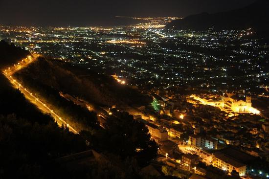 Panorama Notturno - Monreale (5371 clic)