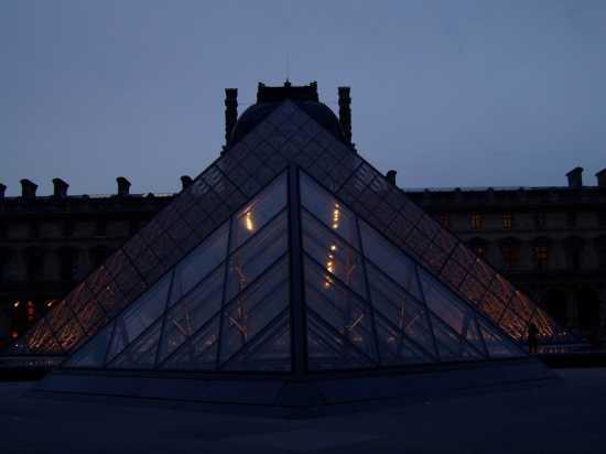 piramide - CAGLIARI - inserita il 20-Apr-10