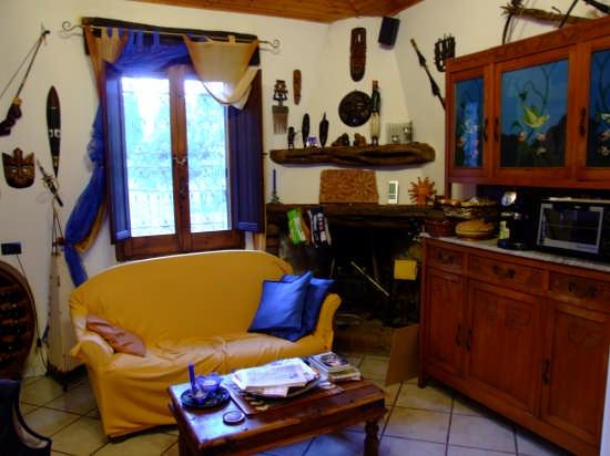 Casa tipica - CAPOTERRA - inserita il 28-May-08