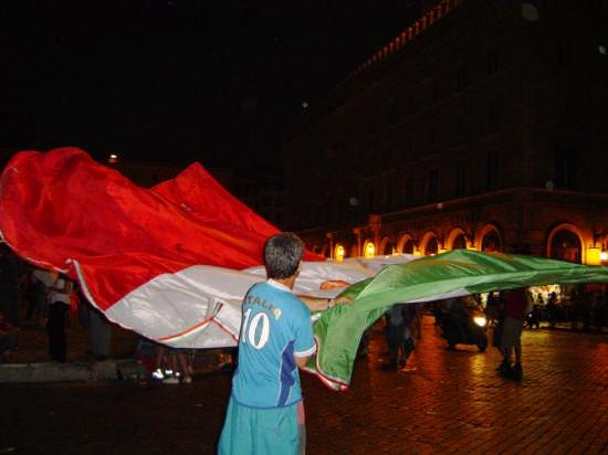 La bandiera Italiana - Roma (7179 clic)