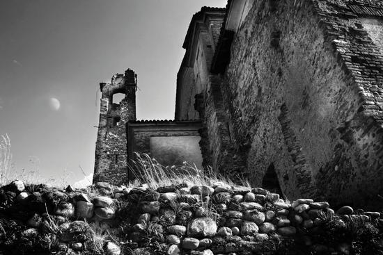 La Chiesa del diavolo - Suno (5806 clic)