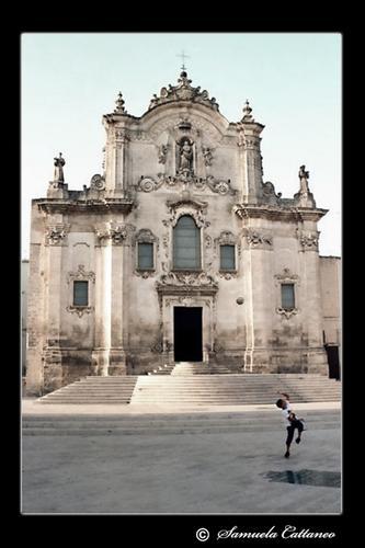 la chiesa e il bambino (953 clic)
