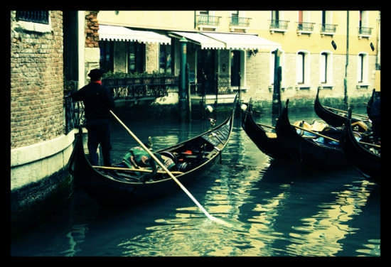 gondoliere - Venezia (1831 clic)