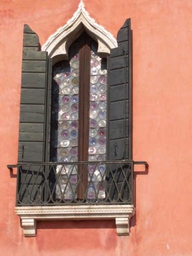 tipica finestra veneziana (3210 clic)