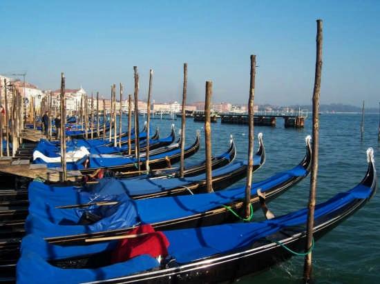 gondole a riposo  - Venezia (1809 clic)