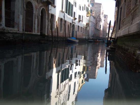 riflessi- atmosfera veneziana (1689 clic)