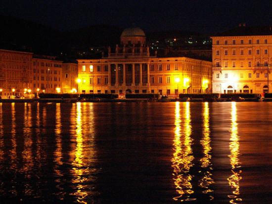 Trieste - Rive - TRIESTE - inserita il 05-Mar-08