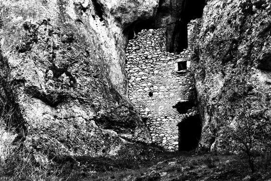 una casa rimediata... - Villalago (1907 clic)