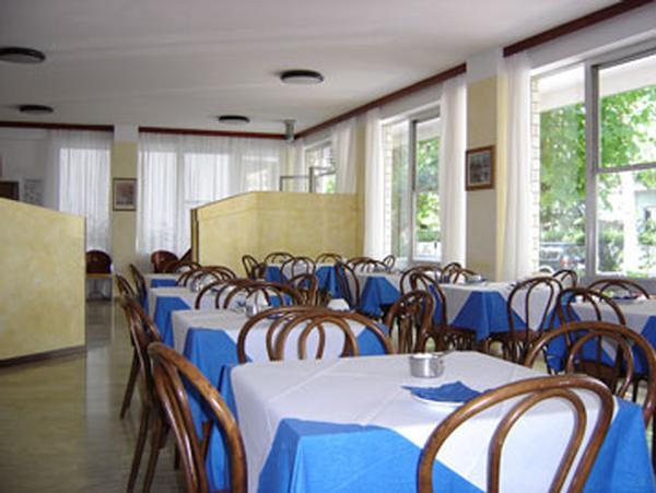 Hotel Flores B&B RICCIONE